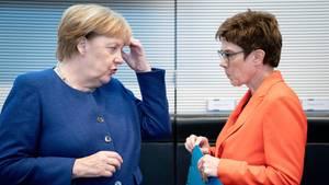 news - merkel und kramp-karrenbauer