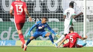 Mönchengladbachs Stürmer Marcus Thuram trifft zum zwischenzeitlichen Ausgleich