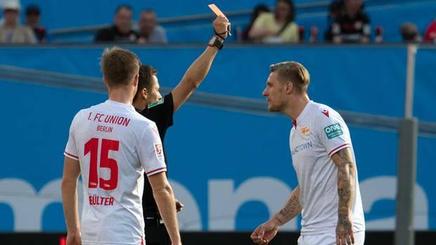 Ende eines kurzen Arbeitstages: Union Berlins Stürmer SebastianPolter wurde in Leverkusen in der 61. Minute eingewechselt undsah drei Minuten später nach heftigem Fouldie gelbe Karte, die nach Videobeweis direkt in die rote umgewandelt wurde.
