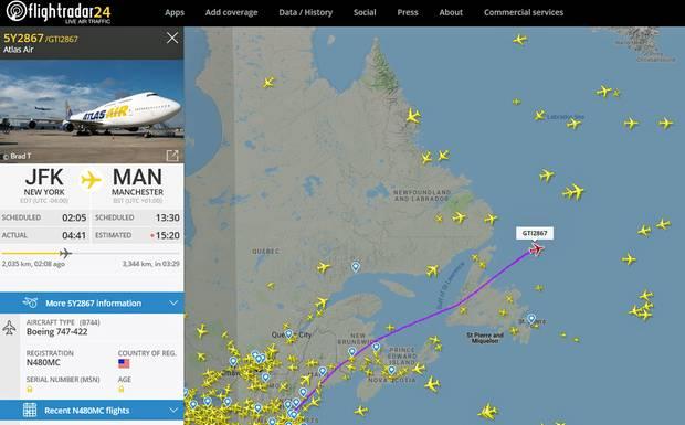 Ein Charterflug mit gestrandeten Kunden von Thomas Cook ist auf dem Wege vom JFK Airport nach Großbritannien