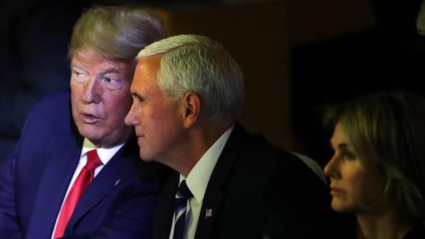 US-Präsident Donald Trump (l.) tauchte überraschend mit seinem Vize Mike Pence bei der Klimakonferenz in New York auf