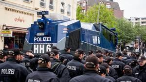 Am 1. Mai kam der Hamburger Wasserwerfer bei einer Demo im Stadtteil Altona zum Einsatz