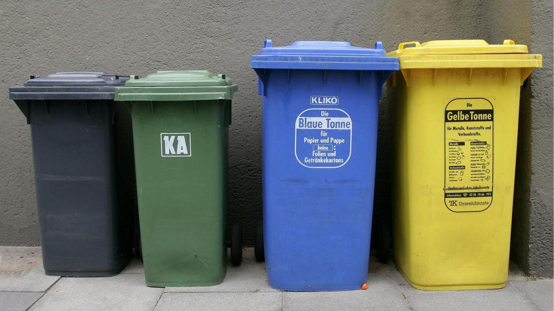 Mülltrennung - verschiedene Tonnen