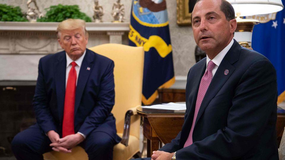 Donald Trump und Alex Azar