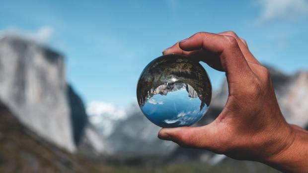 Glaskugel-Fotografie: Kleine Welt in einer Kugel