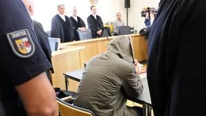 Der beschuldigte Stiefvater soll Leonie schwer misshandelt und keine medizinische Hilfe geholt haben