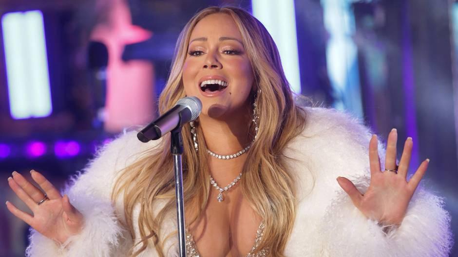 Mariah Carey singt bei einem Konzert in New York