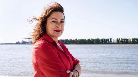 Monika Griefahn an der Elbe