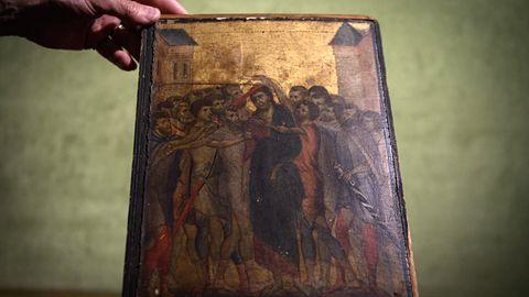 Dieses Werk des italienischen Malers Cimabuehing jahrelang unerkannt in der Küche einer alten Dame