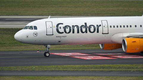 Ein Airbus A321 der Condor rollte zum Start
