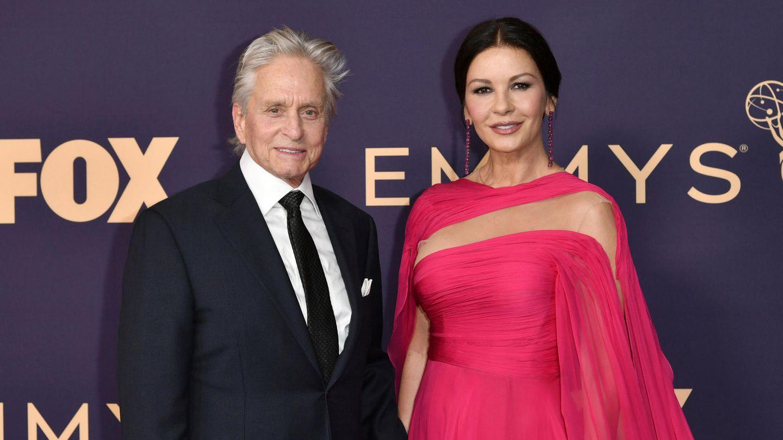 25 Jahre trennen das seit 1998 liierte Paar. Nach einigen Krisen führen Michael Douglas und Catherine Zeta-Jones nun ein ruhigeres Leben.