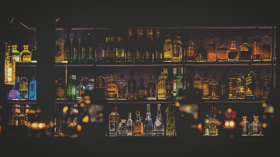 Alkohol im Regal
