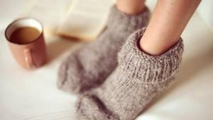 Viele Frauen klagen über kalte Füße