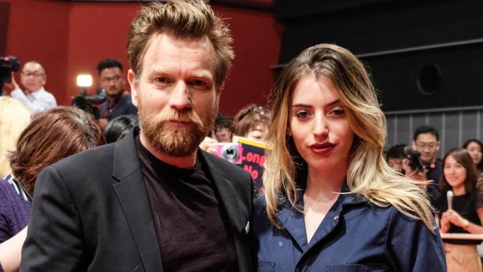 Ewan McGregor mit seiner Tochter Clara bei einer Filmpremiere