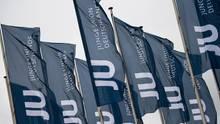 Fahnen mit dem Logo der Jungen Union (JU)