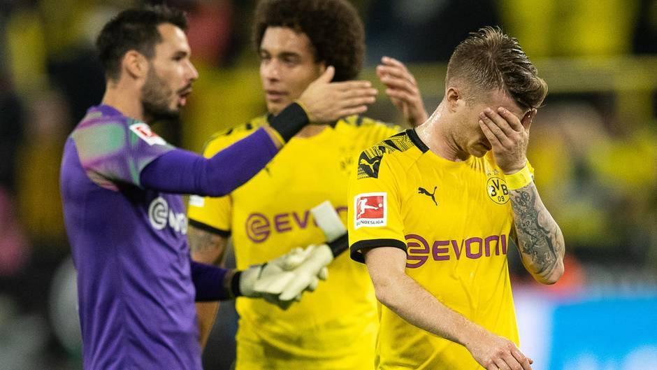 Ein Bild, dass alles über den BVB sagt: Nach dem verschenkten Sieg gegen Bremen hält sich Marco Reus die Hand vor das Gesicht