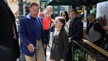 Arnold Schwarzenegger unterstützt Greta Thunberg mit Elektroauto