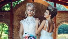 Echte Freundinnen stehlen sich nicht die Idee fürs perfekte Brautkleid