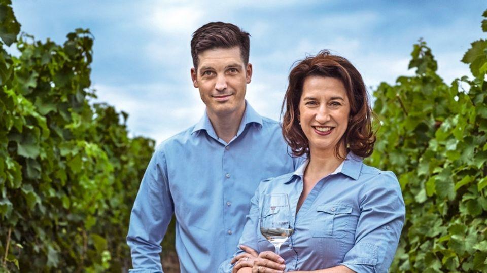Ein elegantes Paar, das filigrane Weine produziert: Désirée Eser Freifrau zu Knyphausen und ihr Mann, Dodo Freiherr zu Knyphausen