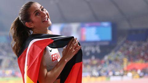 Gesa Felicitas Krause feiert ihre Bronzemedaille bei der WM 2019 in Doha