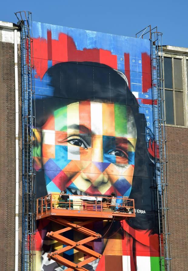 Neues Wandgemälde auf dem Gelände der NDSM-Werft im Norden Amsterdams
