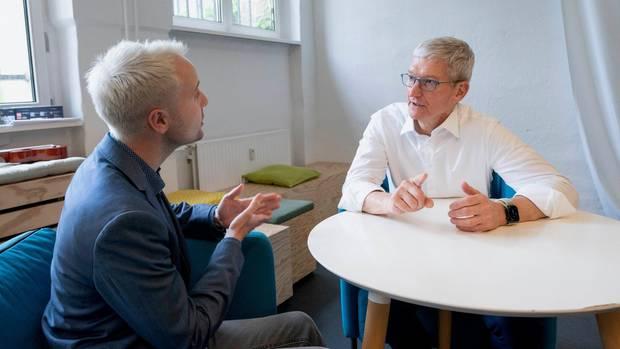 Brooks Kraft/Apple