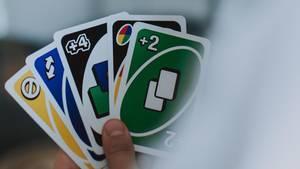 Eine neue Variante des Spiels UNO, speziell für blinde Spieler