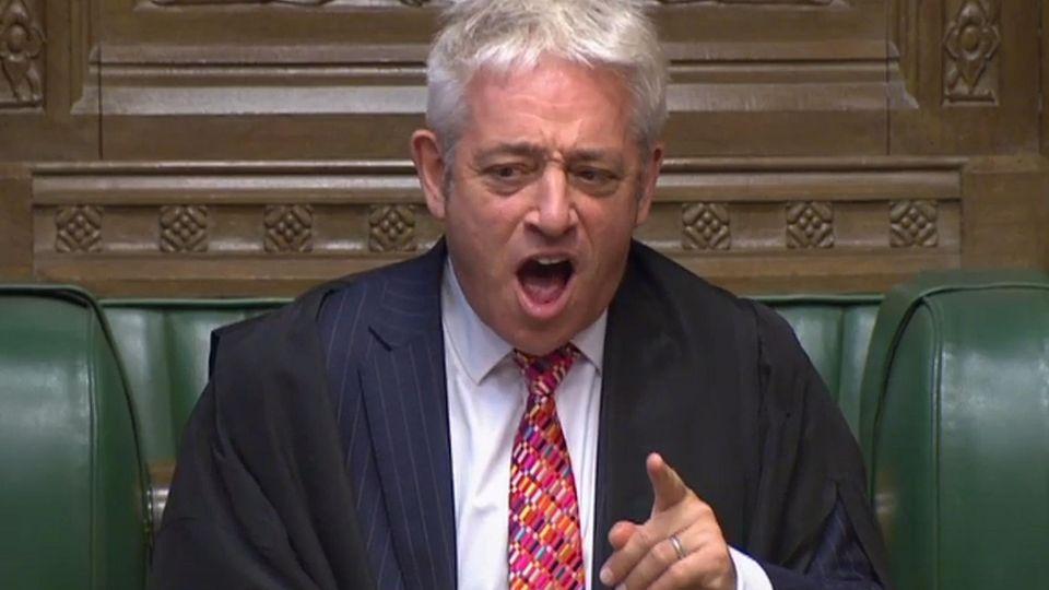 Bei einer Sitzung des britischen Unterhauses versagt die Stimme vom Parlamentspräsidenten John Bercow.