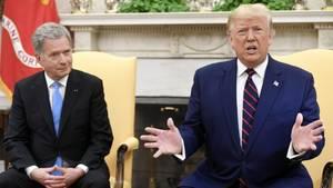 Finnlands PräsidentSauli Niinistö bei der Pressekonferenz mit Donald Trump