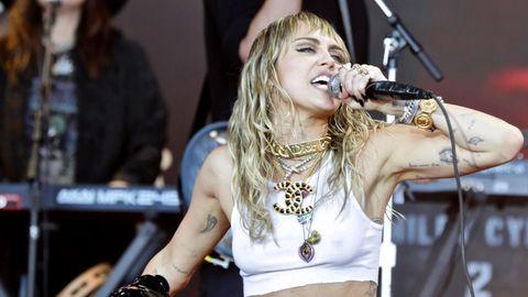 Miley Cyrus: Sie schwärmt von Liam Hemsworth