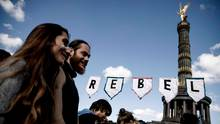 Aktivisten von Extinction Rebellion am Großen Stern in Berlin