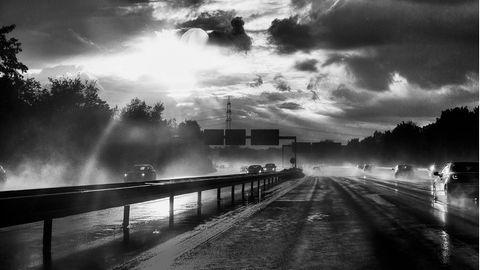 Autobahn Impression in Deutschland, Regen, Gewitterstimmung, Wolken                                             von: ©Philippe Ramakers, Intuitive Fotografie,