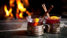 Mit diesen Feuerzangenbowle-Sets gelingt Ihnen das beliebteHeißgetränk