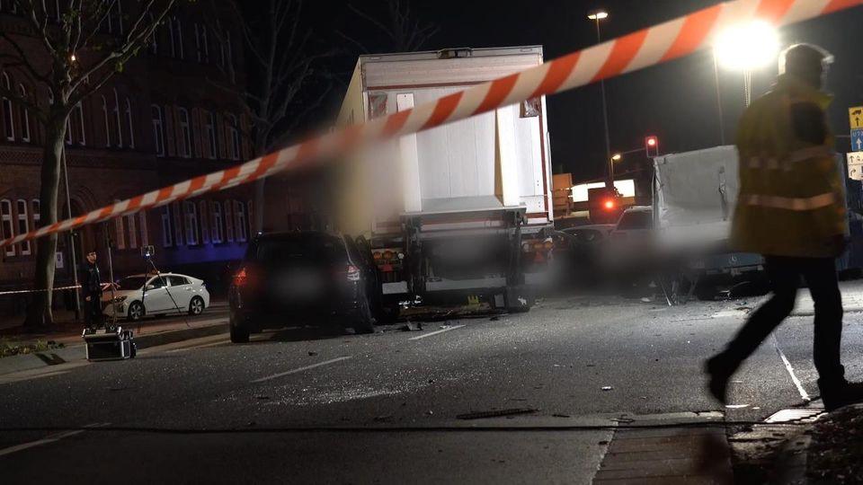 Syrer verursachte Lkw-Zusammenstoß in Limburg - Motiv unklar