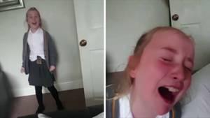 Links steht ein Mädchen freudestrahlend in einer Tür, rechts weint es mit rotem Gesicht in den Armen ihres Vaters