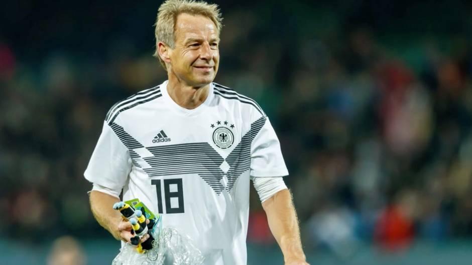 """Fussball-WM im Wüstenstaat: Klinsmann freut sich auf WM in Katar – Twitternutzer antworten: """"Schande für den besten Sport der Welt"""""""