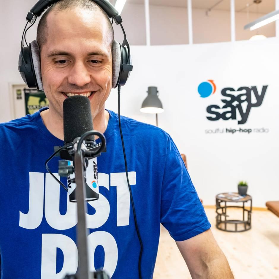 """Radio """"SaySay"""" aus Hamburg: Warum ein hochbezahlter Anwalt hinschmiss und einen HipHop-Radiosender gründete"""