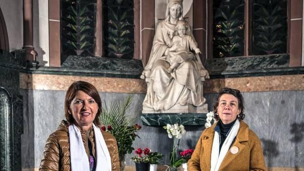 Bernadette Rüggeberg (r.) und Doris Bauer von der Bewegung Maria 2.0,