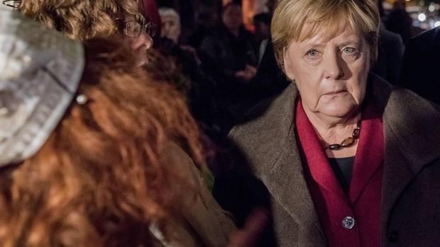 Bundeskanzlerin Angela Merkel bei einer Solidaritätsveranstaltung