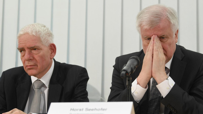 Josef Schuster (l.) vom Zentralrat der Juden und Innenminister Horst Seehofer