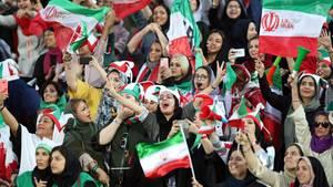 Weibliche Fußballfans im Iran