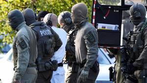 Der mutmaßliche Täter von Halle wird zur Haftprüfung geführt