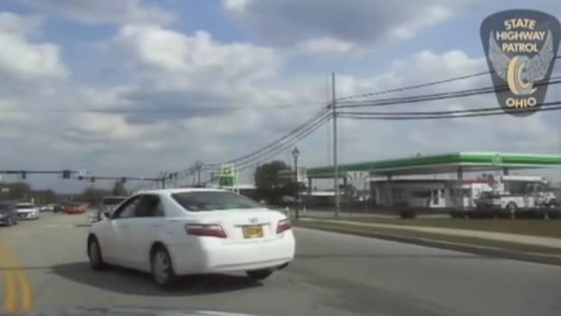 Ein 9-jähriger Junge hat das Auto seiner Oma geklaut