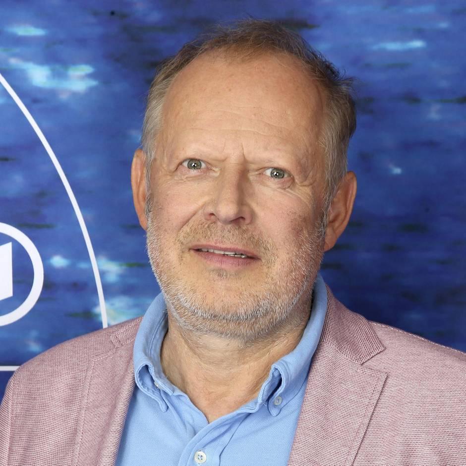 """Axel Milberg : """"Tatort""""-Kommissar kassiert Knöllchen von den """"Kollegen"""" der echten Polizei"""