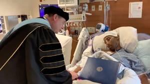 Camden Dillard erkrankte im letzten Jahr seines Studiums an Bauchspeicheldrüsenkrebs.