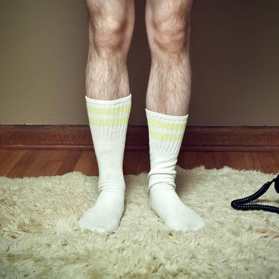 Schräge Angewohnheit: Reddit-User geht nur mit Socken unter die Dusche – und die Community rastet aus