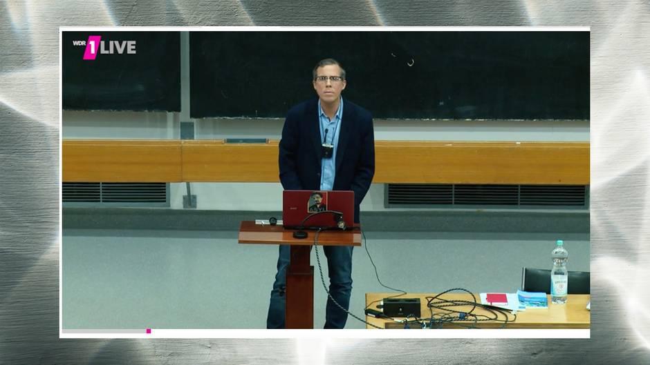 1-Live-Reporter Daniel Danger undercover als Philosophie-Professor