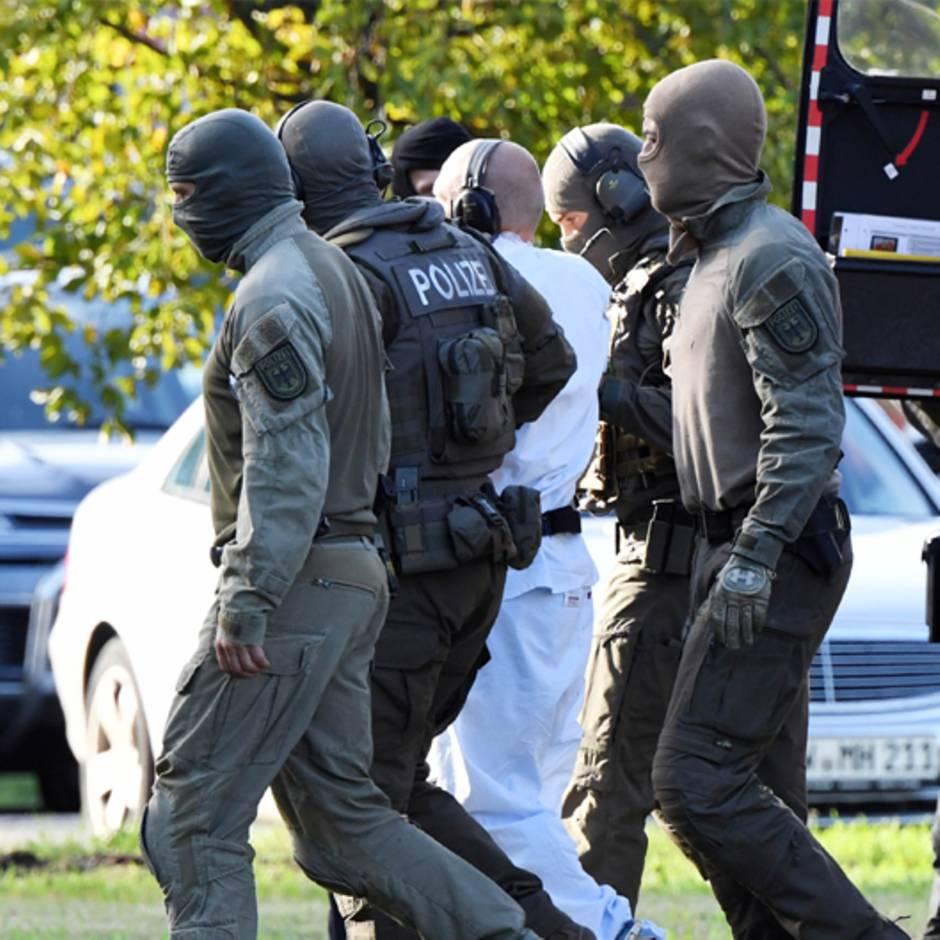 """Anschlag in Halle: Experte: """"Diese Sicherheit, dass die Sichtweise der Attentäter an Öffentlichkeit gelangt, ist neu"""""""