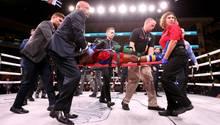 US-Boxer Patrick Day wird aus dem Ring getragen