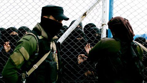 """ausländische Familien, die im sogenannten """"Kalifat"""" des IS lebten, im Lager al-Hul"""